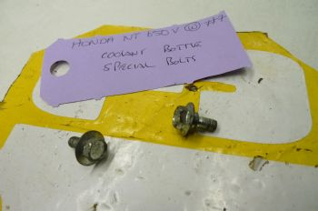 HONDA NT650 V DEAUVILLE.   COOLANT BOTTLE SPECIAL BOLTS  #7 (67-C)